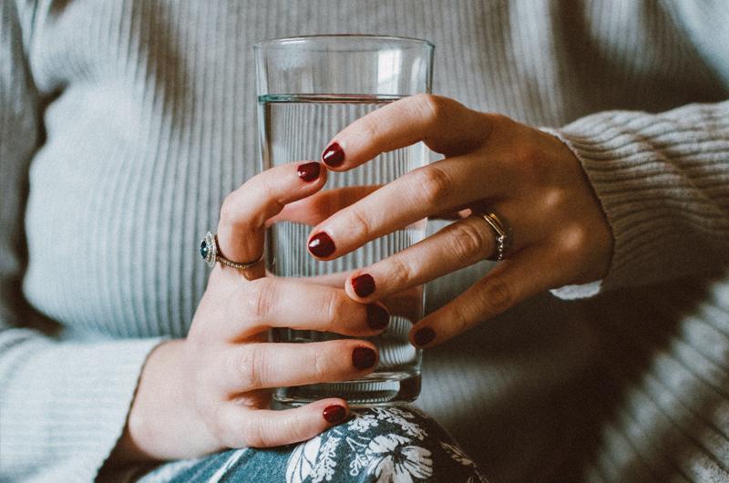 bere acqua del rubinetto le abitudini italiani